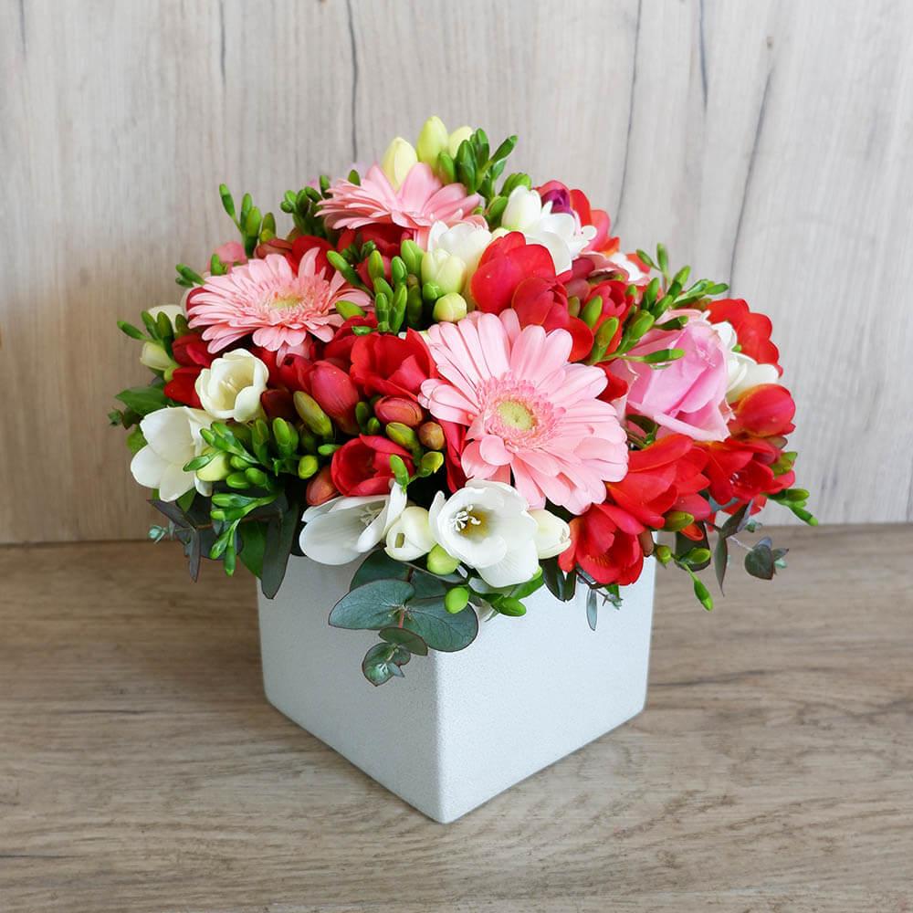 Συνθέσεις Λουλουδιών - Σύνθεση λουλουδιών Mona