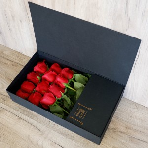 Red Box - Σύνθεση λουλουδιών | Ανθοπωλείο Maison des fleurs