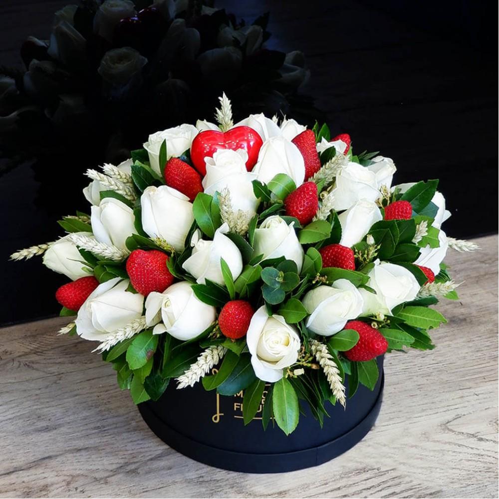 White strawberries Box