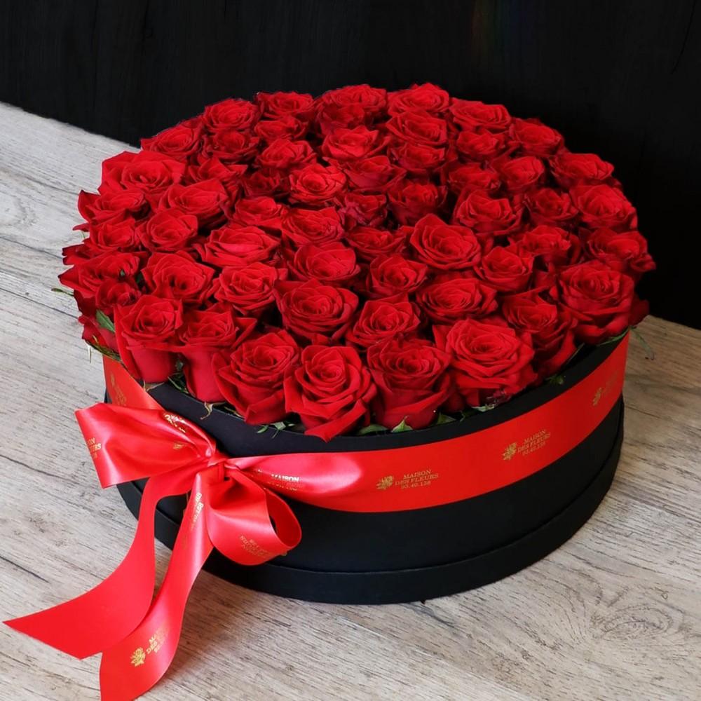 Συνθέσεις Λουλουδιών - Huge Red Roses hat box