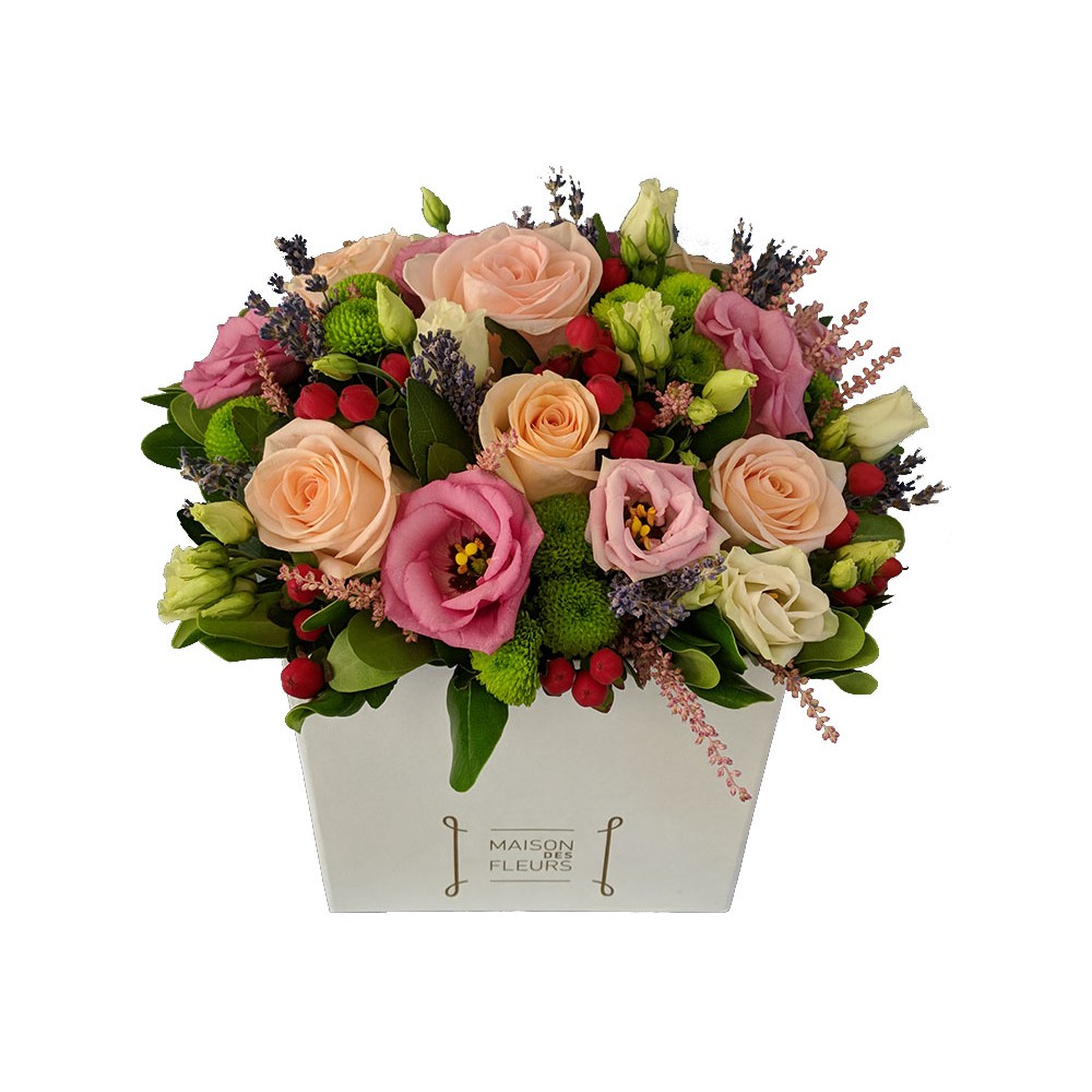 Sweet Box - Flower arrengement in romantic style with pale colors, in a square decorative box!