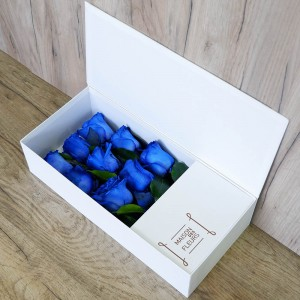 Blue Box - Σύνθεση λουλουδιών | Ανθοπωλείο Maison des fleurs