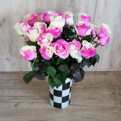 Two Colour Pink - Create your own bouquet with two colour ( white-pink ) roses!
