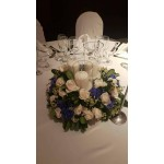 Classic Blue - Table decoration of hydrangea & roses!