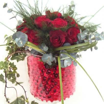 Valentine 13 - Beautiful flower arrengement with orchids, roses and hypericum in a modern pot!