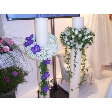 Deep Purple - Decoration of candles with wreaths and eccentric flowers!
